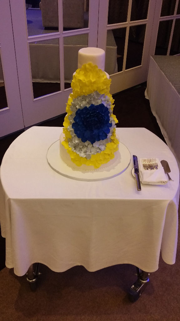 cake wedding dubai