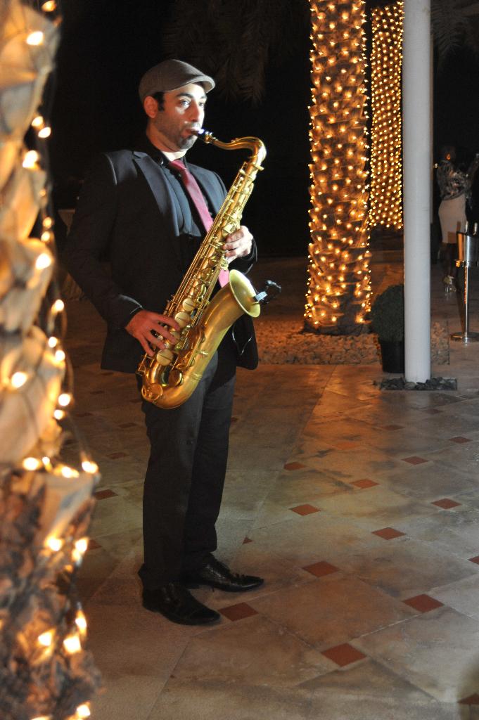 saxophonist wedding entertainment dubai